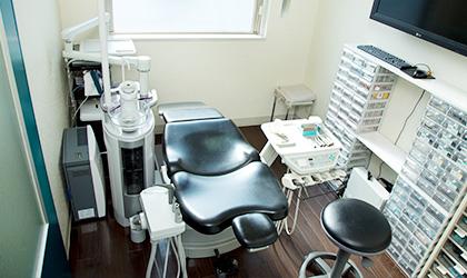 インプラント専門の個室で手術をします
